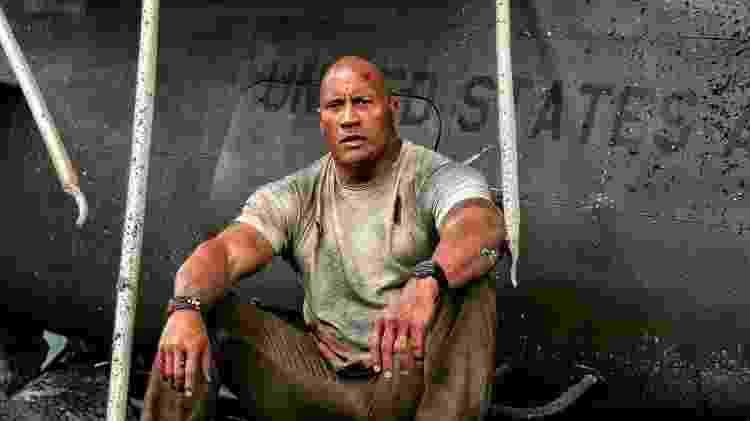 """Dwayne Hudson, o The Rock, em cena de """"Rampage: Destruição Total"""" - Reprodução - Reprodução"""