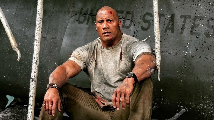 """Dwayne Johnson, o The Rock, em cena de """"Rampage: Destruição Total"""" - Reprodução"""