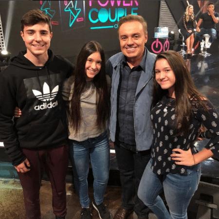 Gugu Liberato com João, Sofia e Marina - Reprodução/Instagram/guguliberato