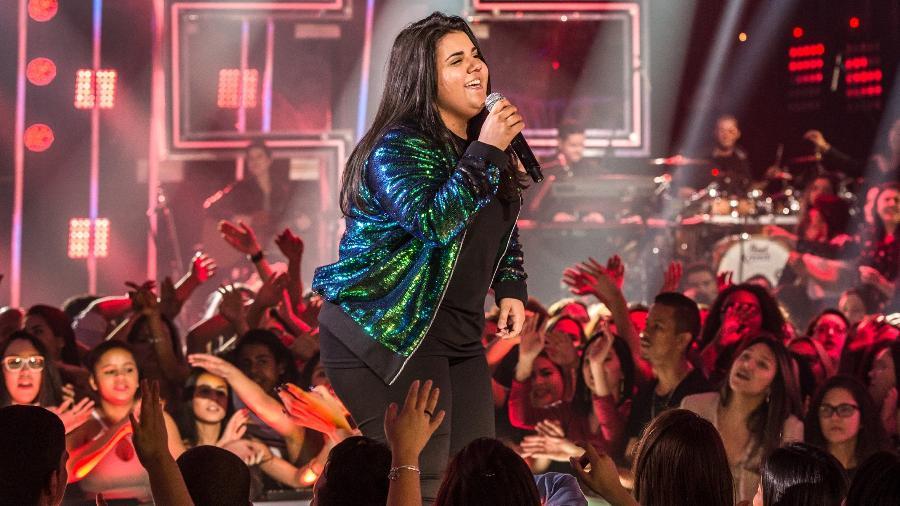 """A cantora Yasmin Santos, do hit """"Saudade Nível Hard"""", durante sua participação no programa """"Só Toca Top"""", da Globo - Globo/Fábio Rocha"""