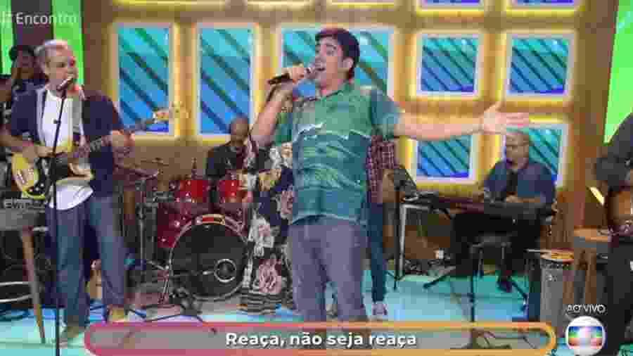 """Marcelo Adnet canta no """"Encontro com Fátima Bernardes"""" - Reprodução/Globo"""