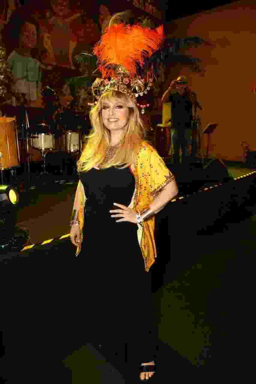 Luciana Vendramini aproveita o primeiro dia de folia paulista no Camarote Bamba, no Anhembi - Marcos Ribas/Brazil News