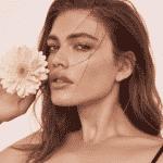 Valentina Sampaio posa para primeiras fotos oficiais para a Victoria's Secret - Zoey Grossman para Victoria's Secret