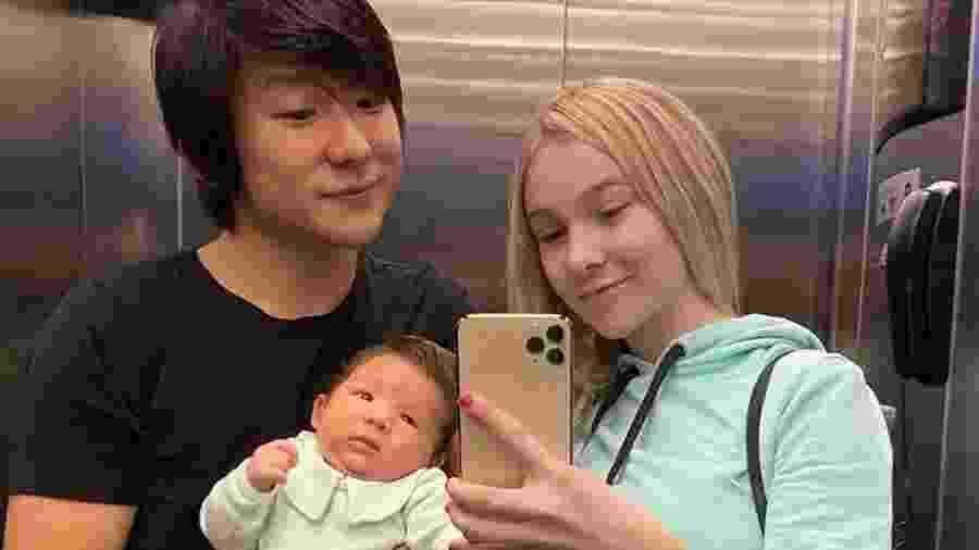 Pyong Lee com o filho, Jake, e a mulher, Sammy - Reprodução/Instagram