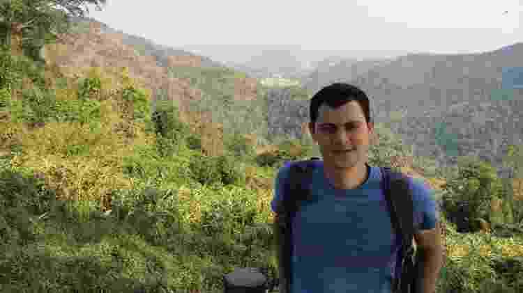 Enquanto a pandemia não passa, ele se dedica a contar histórias de viagens passadas, como esse hiking na Tailândia - Arquivo pessoal