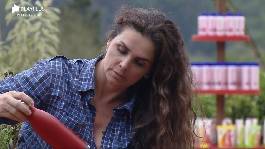 A Fazenda 2020: Luiza Ambiel se irrita com Stéfani - Reprodução/Playplus