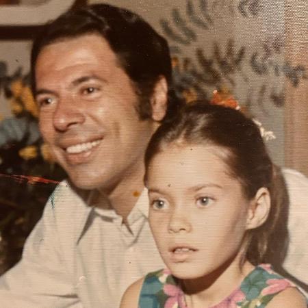 Cintia Abravanel resgata memórias com pai famoso - Reprodução/Instagram