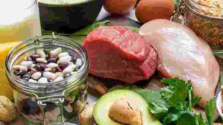 alimento fonte de vitamina do complexo B - iStock - iStock