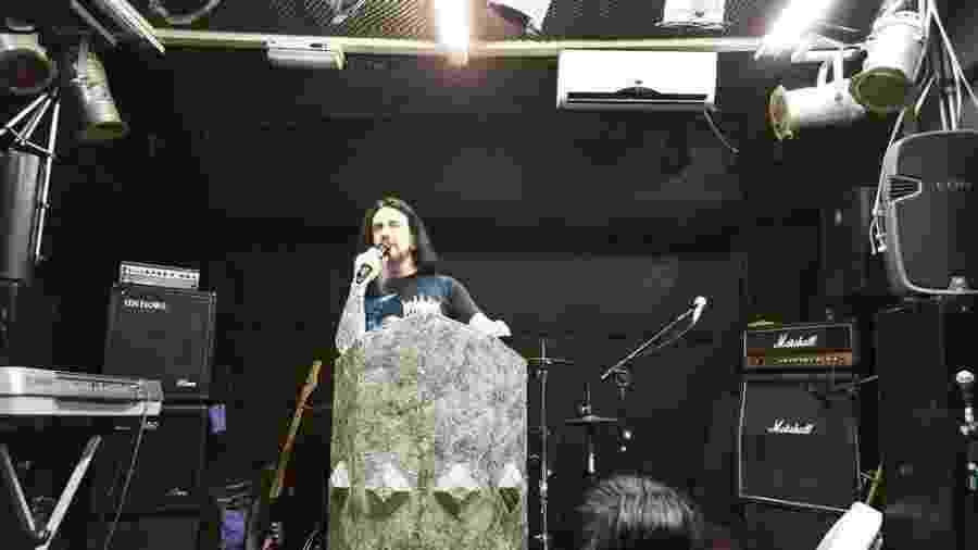 Pastor Batista, líder da igreja Crash Church e vocalista da banda cristã de death metal Antidemon - Reprodução/Instagram