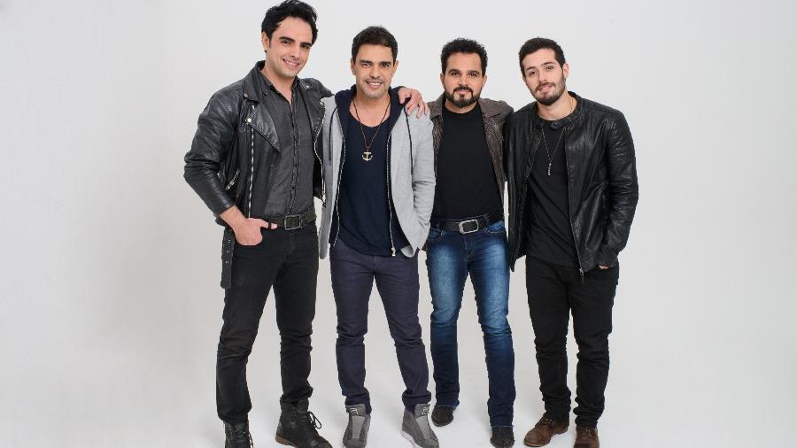 Beto Sargentelli (Zezé Di Camargo) e Bruno Fraga (Luciano) com a dupla - Marcos Mesquita
