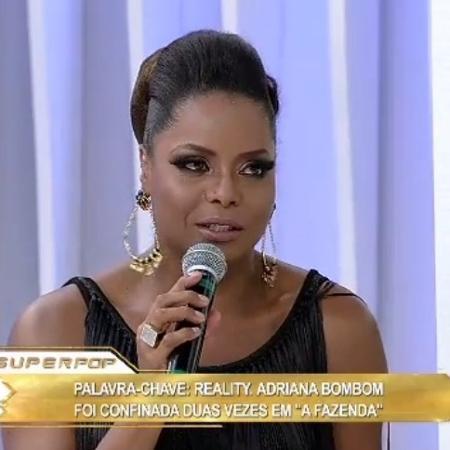 """Adriana Bombom participa do """"Superpop"""" e fala de """"A Fazenda"""" - Reprodução/RedeTV!"""