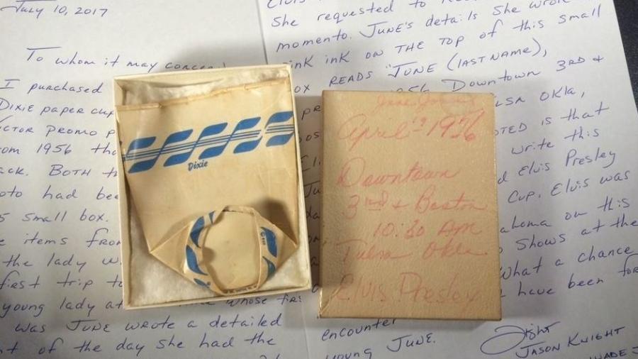Copo de papel usado por Elvis Presley em 1956 é leiloado por US$ 3,5 mil - Reprodução/eBay