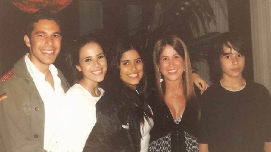 Zilu relembra foto antiga com o Wanessa, Camila e Igor, seus filhos, e Marcos Buaiz, marido de Wanessa - Reprodução/Instagram/zilucamargooficial