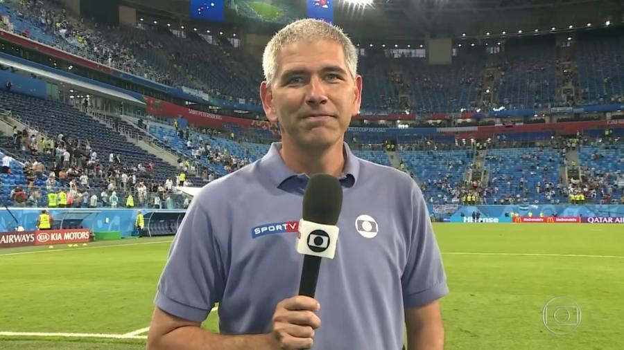 O repórter Carlos Gil cobre a Copa do Mundo da Rússia pela Globo - Reprodução/TV Globo