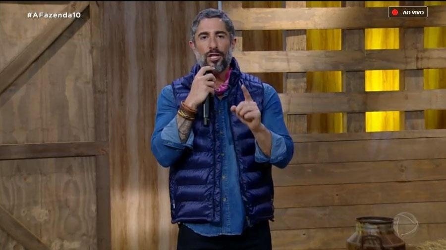 """Marcos Mion na transmissão ao vivo de """"A Fazenda 10"""" - Reprodução/RecordTV"""
