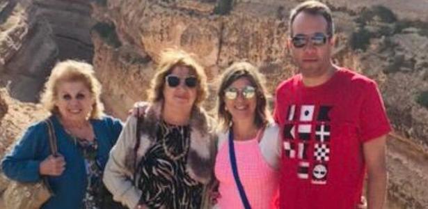 356be4df836d6 Daniela Beyruti posta foto rara de duas irmãs de Silvio Santos - 13 11 2018  - UOL TV e Famosos