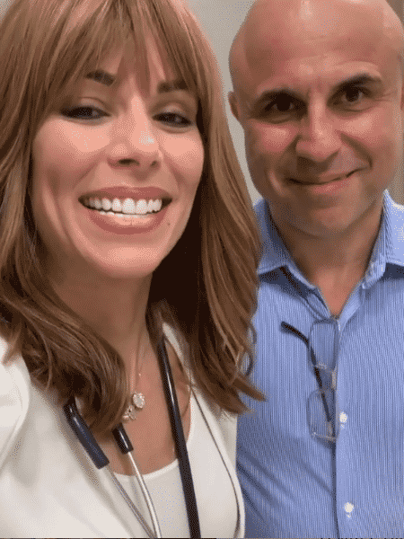 Ana Furtado ao lado do médico oncologista Fernando Cotait Maluf - Reprodução/Instagram