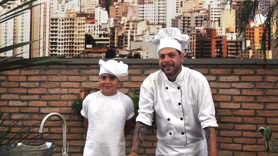 """Dennys Motta (""""Encrenca"""") e o filho Nicolas estreiam canal no YouTube - Divulgação/RedeTV"""