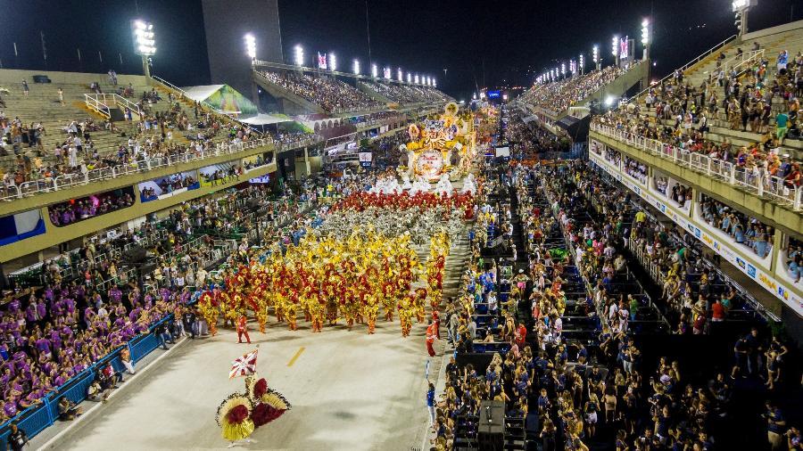Desfile da Unidos do Porto da Pedra pelo Grupo de Acesso do Carnaval do Rio - Ellan Lustosa/Código 19/Estadão Conteúdo