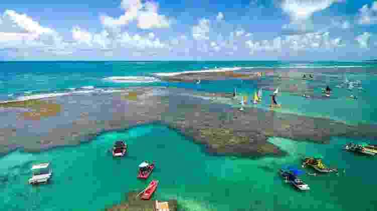 As jangadas colorem as piscinas naturais de Porto de Galinhas - Gustavo Frazão/iStock - Gustavo Frazão/iStock
