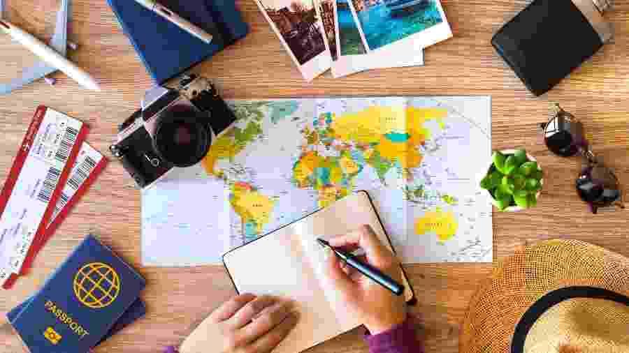 Maioria dos entrevistados na pesquisa pretende viajar nos próximos meses e em casal - Getty Images/iStockphoto