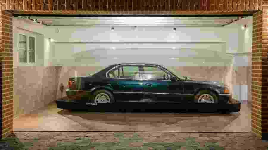 BMW 740i E38 1997 mantido em bolha por 23 anos - Divulgação