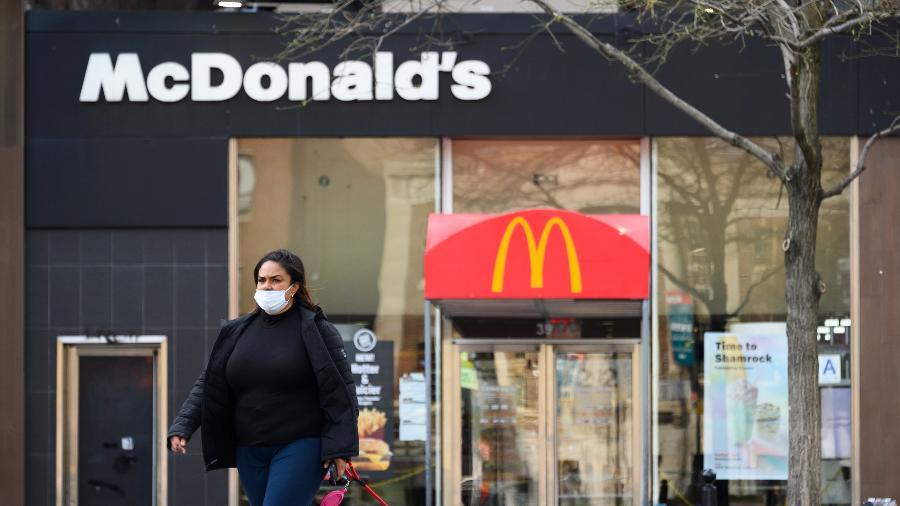 Funcionários estavam seguindo as novas normas sanitárias - Getty Images