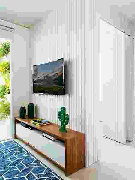 Painel de madeira pintado de branco - Reprodução/Pinterest