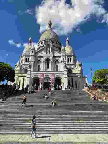 Quem imaginaria ver a escadaria em frente à Basílica de Sacré Cœur, em Paris, vazia? - Mariana Bernardes - Mariana Bernardes
