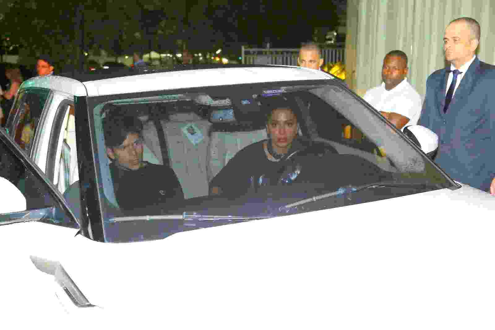 Anitta deixa festa no Hotel Fasano acompanhada do músico Rudy Mancuso, que abriu o show de Justin Bieber no Brasil - Marcello Sá Barretto e Gabriel Rangel/AgNews