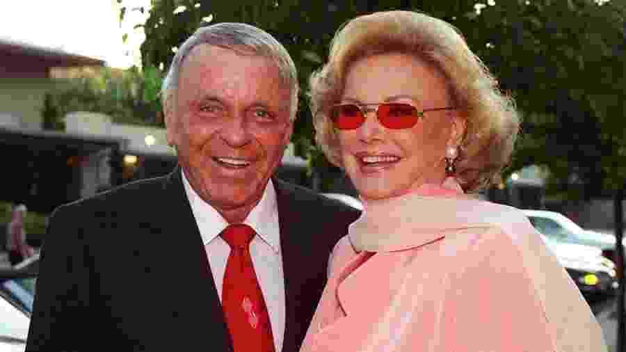 Frank e Barbara Sinatra na década de 1990 - Reprodução