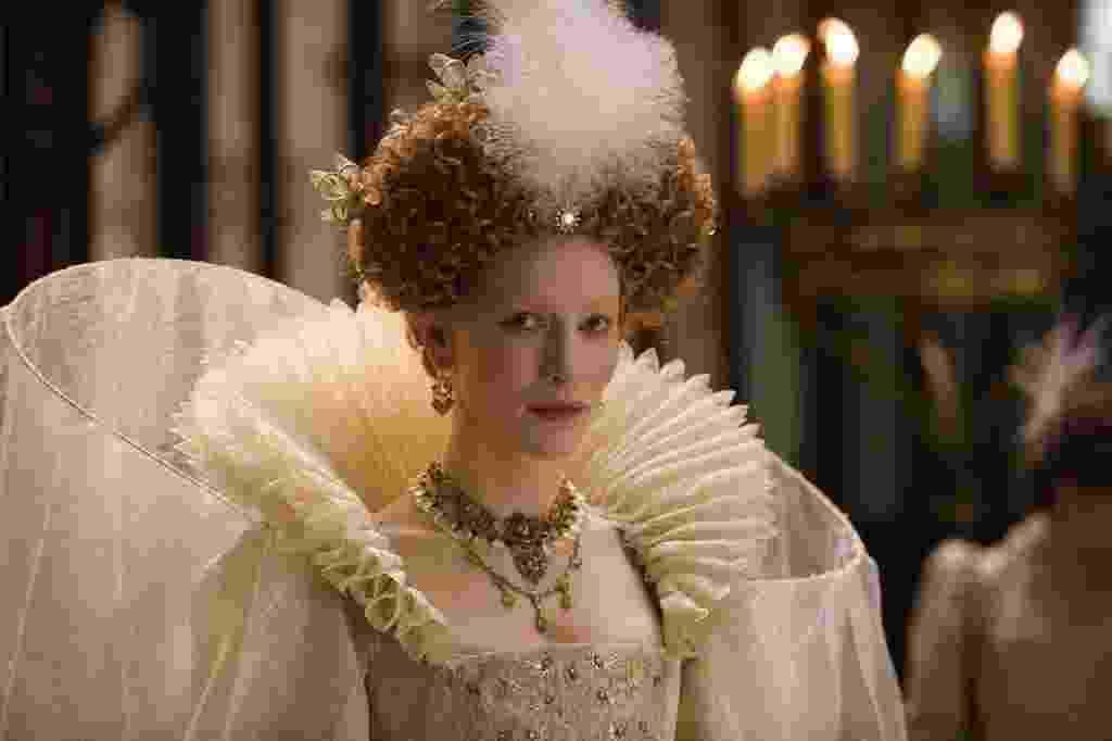 """Cate Blanchett em cena de """"Elizabeth: A Era de Ouro"""" (2007) - Divulgação"""