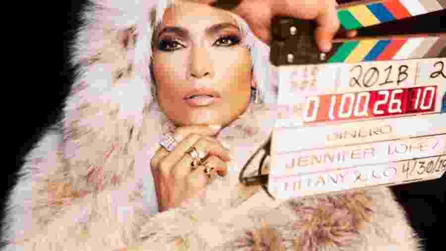 """Jennifer Lopez no clipe de """"Dinero"""" - Divulgação"""