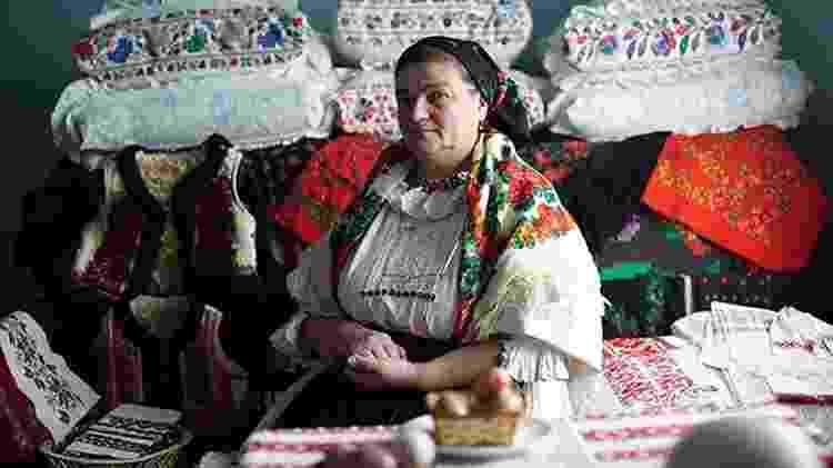 Dorina Hanza, uma das designers romenas de Bihor - Divulgação