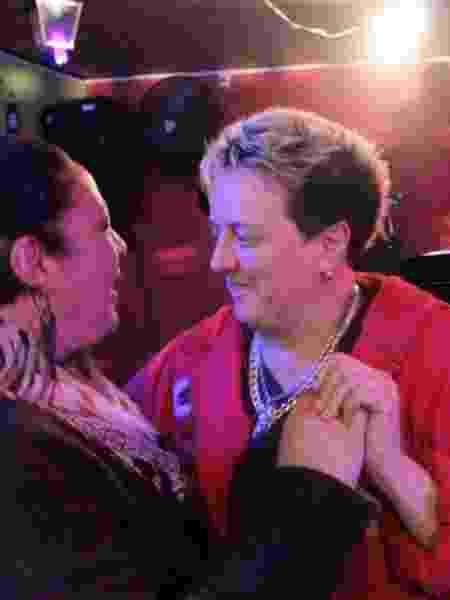 Silmara e Valeria dançando - Arquivo pessoal