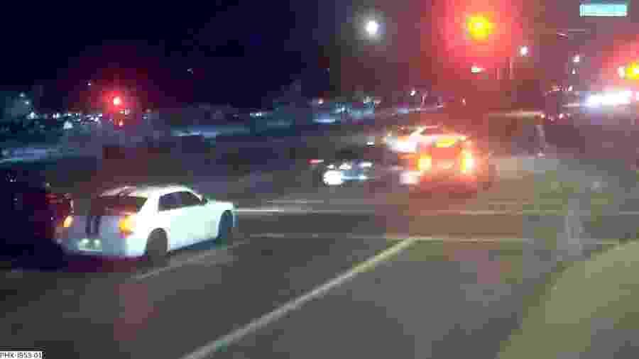 Acidente salva pedestres em Phoenix, nos EUA - Reprodução