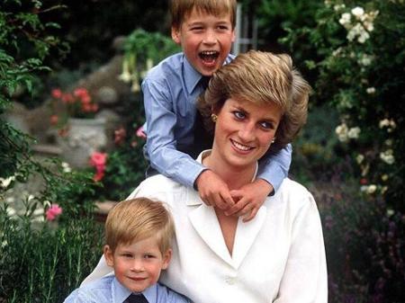 principe william posta foto de diana com filhos no dia das maes britanico 22 03 2020 uol tv e famosos william posta foto de diana com filhos