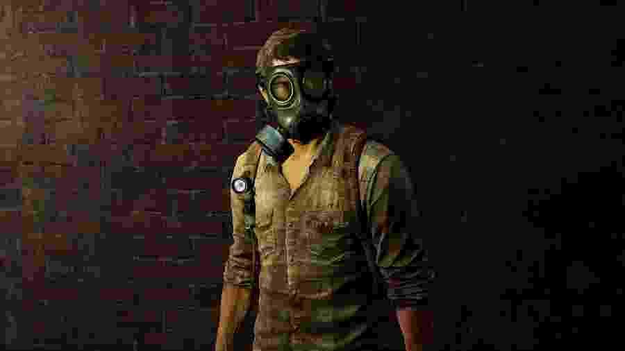 Joel, protagonista do game, usando uma máscara para se proteger de uma doença - Reprodução