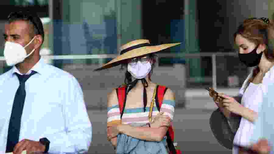 Turistas britânicos chegam ao aeroporto de Málaga, na Espanha - Europa Press via Getty Images