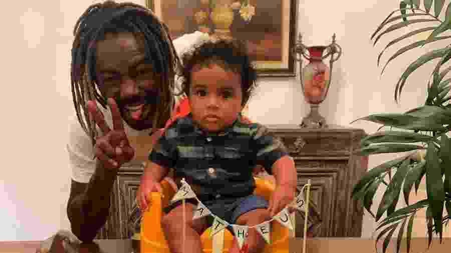 Jonathan Azevedo ao lado do filho Matheus Gabriel - Reprodução/Instagram