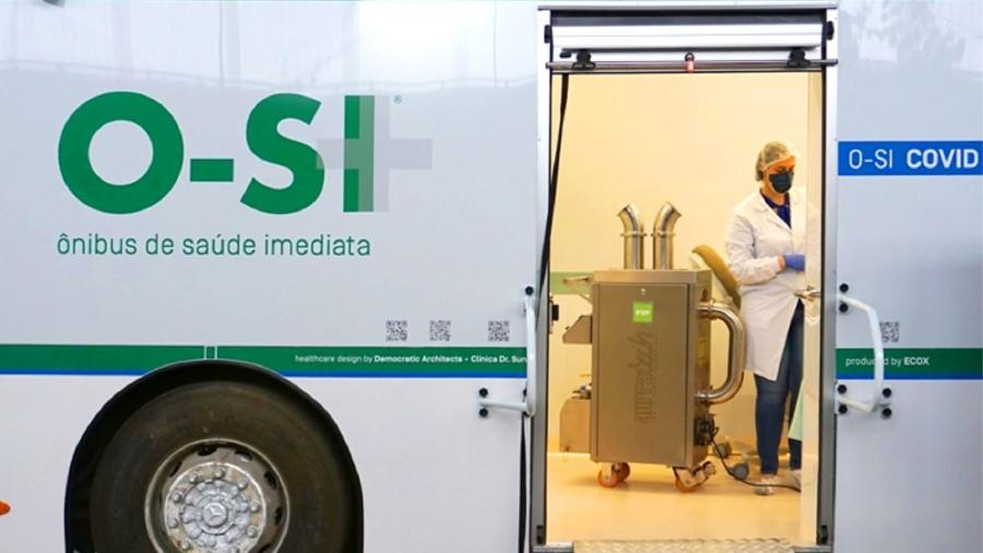 Ônibus transformado em unidade de saúde móvel - Divulgação/ Projeto O-SI
