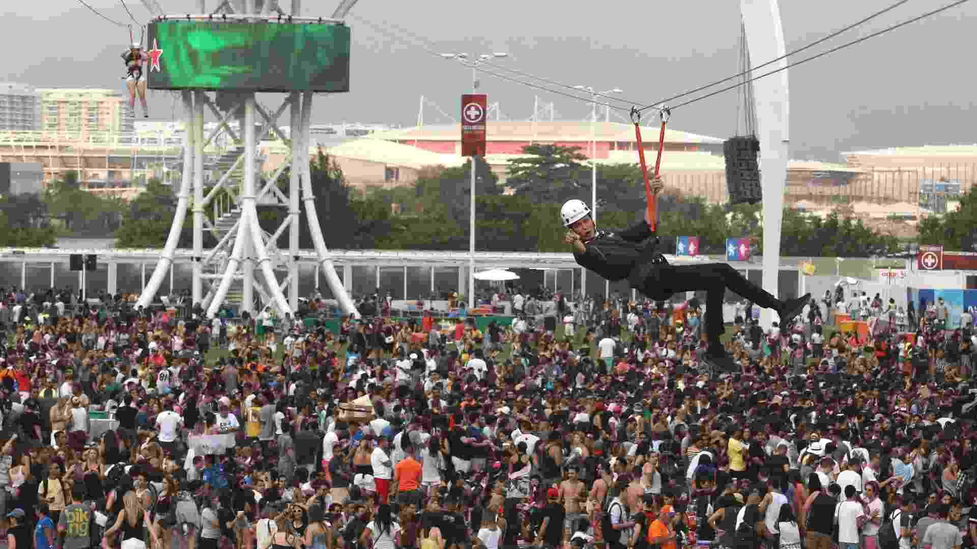 26.set.2015 - Público no sexto dia do Rock in Rio 2015 - Marco Antonio Teixeira/UOL