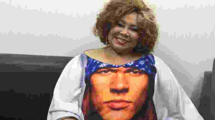 Rock in Rio 2015: Alcione usa camiseta com estampa homenageando o líder do Guns N´Roses - Felipe Branco Cruz/UOL