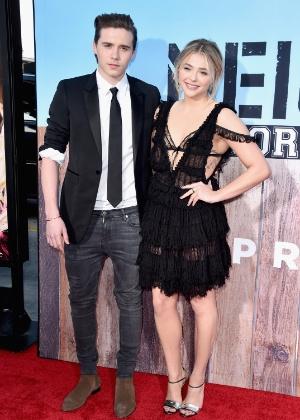 Chloë Moretz e Brooklyn Beckham assumiram o namoro em maio - Alberto E. Rodriguez/Getty Images