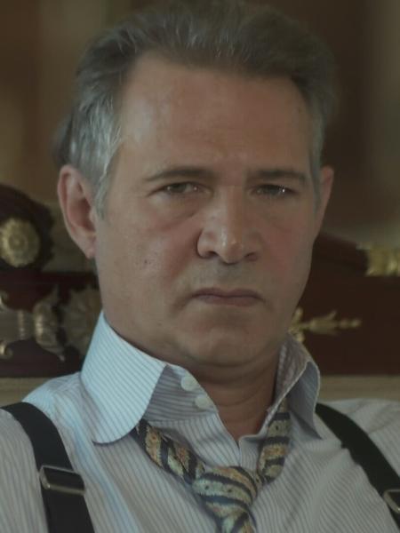 """Nelson Freitas interpreta Bernardo em """"Tempo de Amar"""" - Reprodução/TV Globo"""