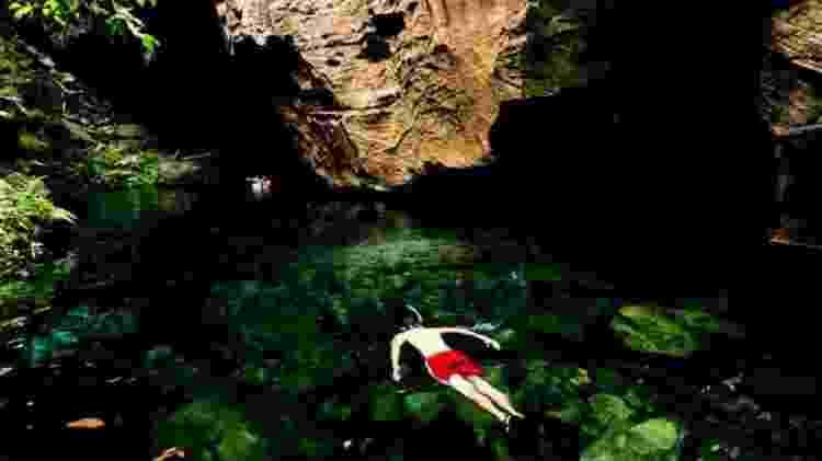 Turista nada em piscina natural da Chapada das Mesas, no Maranhão - Alexandre Schneider/UOL