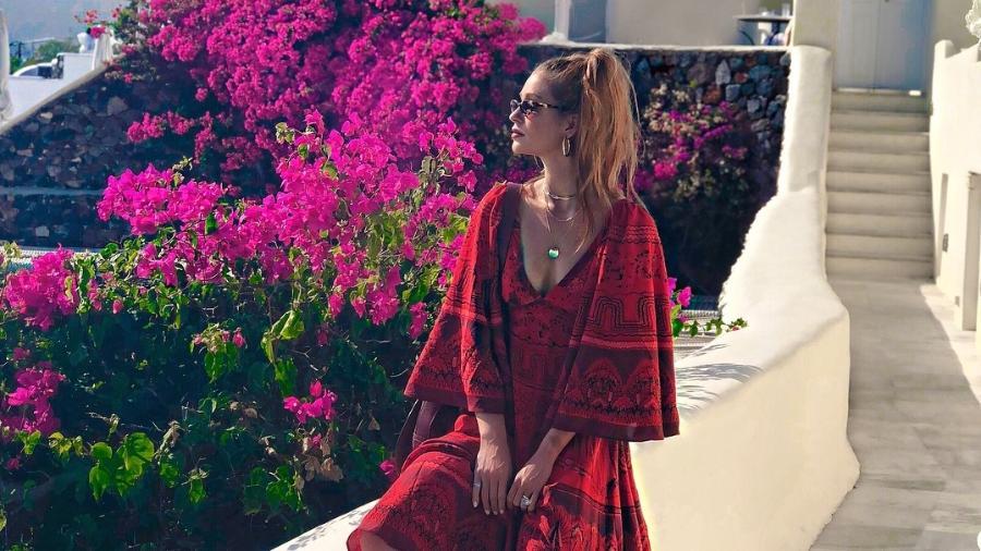 Marina Ruy Barbosa posa para fotos em Santorini, na Grécia - Reprodução/Instagram