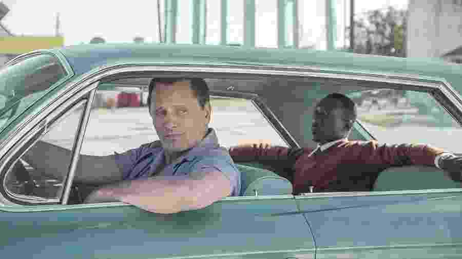 """Viggo Mortensen e Mahershala Ali em cena do filme """"Green Book"""" - Divulgação"""