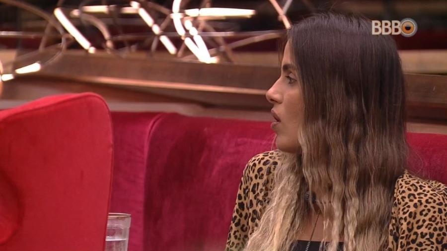 Carolina critica postura de Alberto - Reprodução/Globoplay