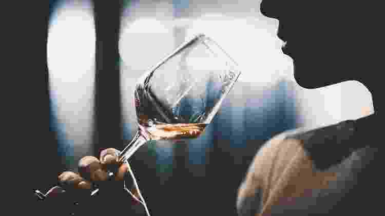 Clientes têm que apurar o olfato para curtir a comida e as bebidas no Dans le Noir? (imagem ilustrativa) - gilaxia/Getty Images
